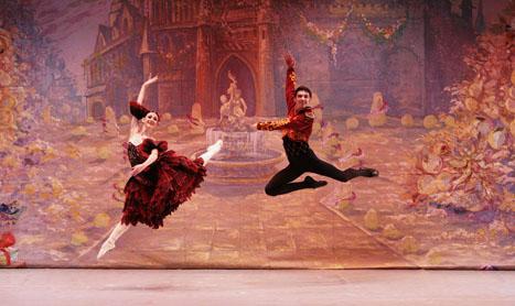 """Baletul din Kiev aduce """"Spargatorul de nuci"""" in Romania"""