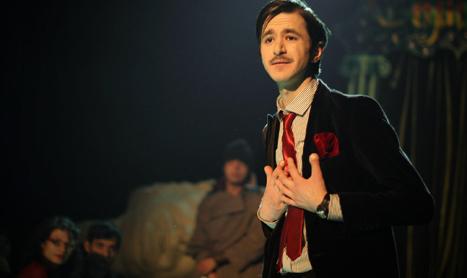 """Show excentric in Godot Cafe-Teatru: """"Julius Caesar"""""""