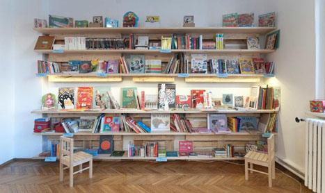 S-a deschis Kyralina, librarie de carte franceza