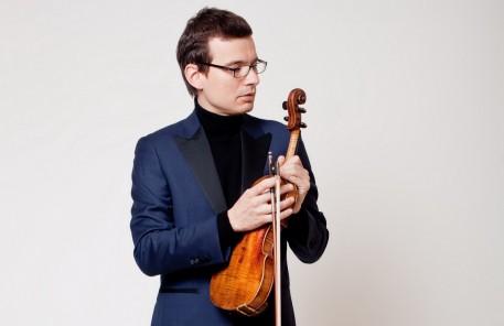 """Variatiuni pe teme din """"La Traviata"""", cu Alexandru Tomescu, la Sala Radio"""