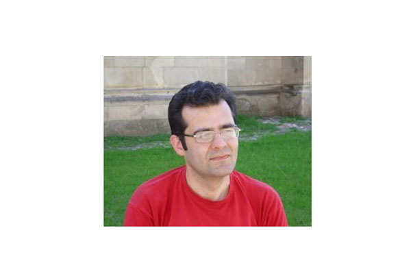 "Lucian Dragos Bogdan: ""Provocarile ma pot ajuta sa evoluez ca scriitor"""