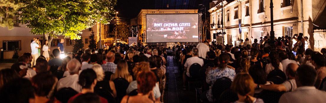 La Craiova și la Cetate: Divan Film Festival