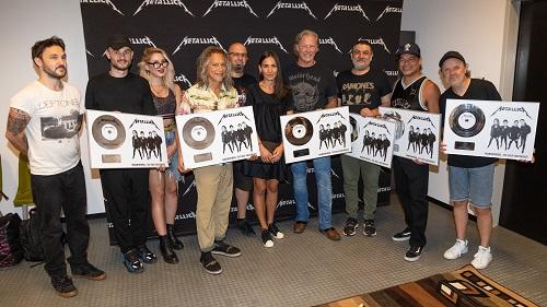 Metallica a primit discul de platină în România
