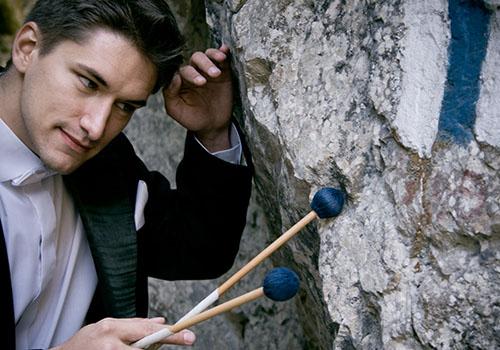 Percuționistul Alexandru Anastasiu sărbătorește 15 ani de activitate artistică