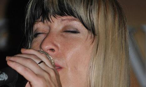 Magda Puskas canta pe 22 noiembrie in Mojo Music