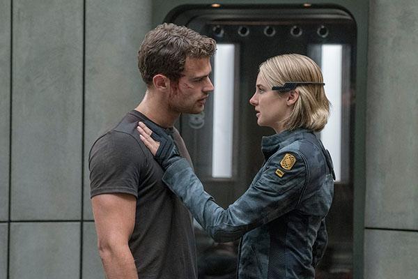 """In curand pe ecrane: """"The Divergent Series: Allegiant"""""""