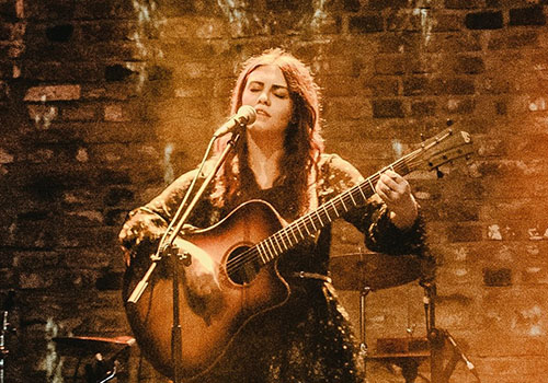 "4 mai: ""Hidden Live Sessions #1 – Ana Coman"""