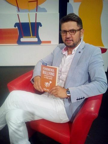 """Sorin Lucaci: """"Încerc să aduc o contribuție la ceea ce înseamnă promovarea culturii în România"""""""
